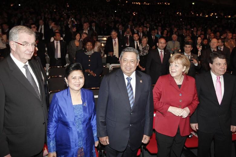 Presiden SBY sebelum membuka ITB Berlin, pameran wisata terbesar sedunia (dok Rumgapres)