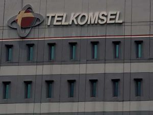 DPR Desak Telkomsel Basmi \Tikus\ Internal