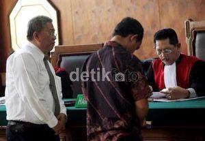 Dukung Telkomsel, DPR Minta KY Periksa Hakim Pailit