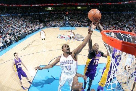 Westbrook Pimpin Thunder Tundukkan Lakers