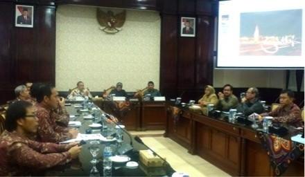 Diplomat Muda Ini Belajar pada Walikota Surabaya