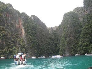 Tak Cuma India, Phuket di Thailand Juga Punya Masalah Keamanan