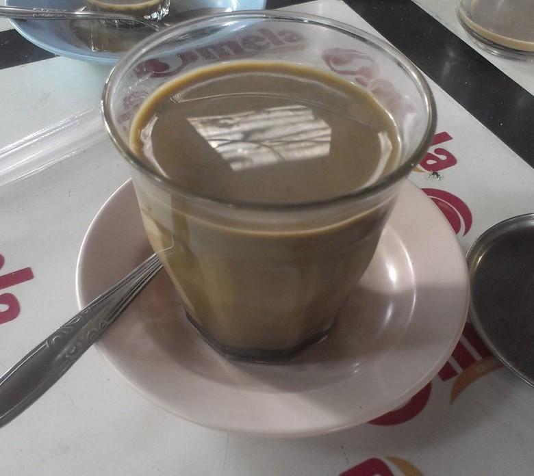 Kopi susu di Warkop Daeng Anas (MN Abdurrahman/detikTravel)