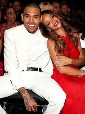 Rihanna & Chris Brown Akan Gelar Pesta Lajang di Kapal Pesiar