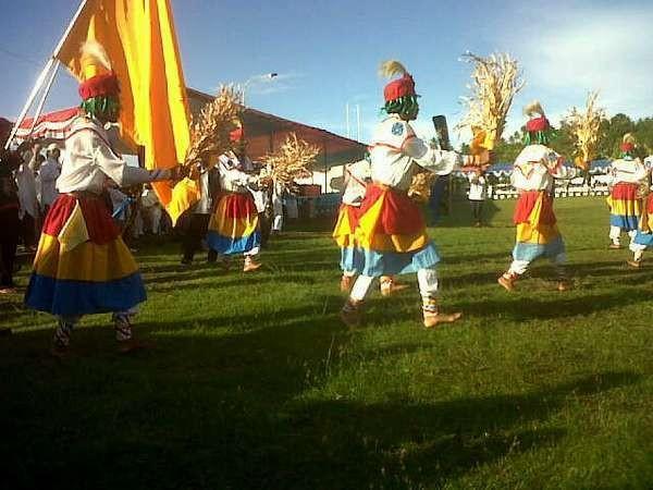 Salah satu atraksi dalam Festival Tidore 2012 (Afif/ detikTravel)