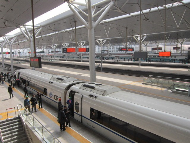 Naik Kereta Cepat 300 Km/Jam di China Nyaris Tanpa Guncangan