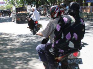 Pemerintah Lhokseumawe Siap Razia Wanita yang Ngangkang Saat Naik Motor