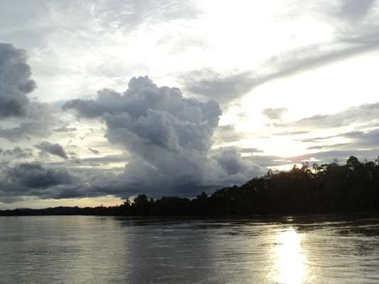 Kapal Tenggelam di Sungai Mahakam, 1 Orang Tewas dan Puluhan Hilang