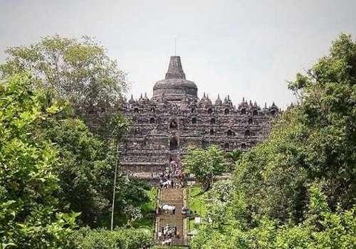 Candi Borobudur (Angela Jennifer/dTraveler)