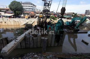 Proyek Normalisasi & Sodetan Ciliwung Rp 1,9 Triliun Selesai Akhir 2014
