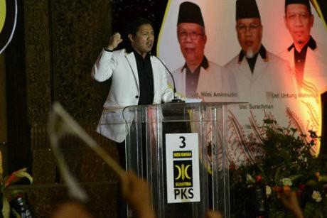 Hilangkan Kata \Bersih\, PKS Ganti Slogan Jadi \Cinta, Kerja, & Harmoni\