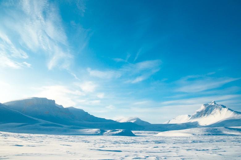 Sebersih inilah langit Svalbard (500px.com)