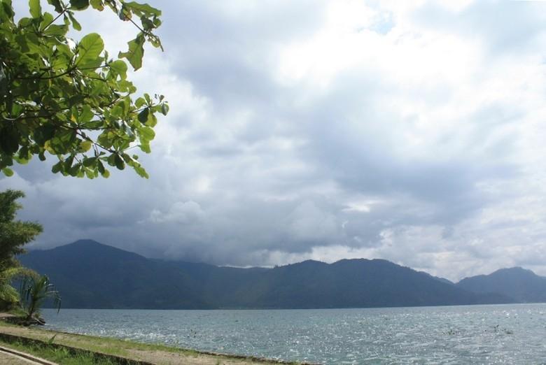 Danau Laut Tawar yang terkenal luas dan cantik (dok Istimewa/Syella Heswita)