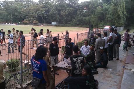Terjebak di Lokasi Bentrok Suporter & Warga, Puluhan Siswa Gagal Ikut UN
