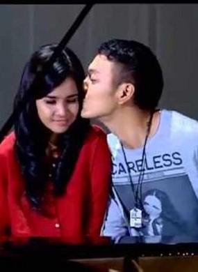 Dimas Anggara Grogi Adegan Ciuman di Depan Pacar