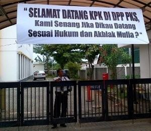 22 Penyidik KPK Tinggalkan DPP PKS, Bawa Dokumen Mobil Sitaan