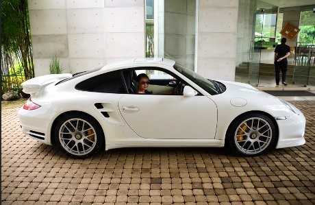 Helen: \Passion Saya di Mobil Sport