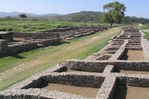 Pondasi yang tersisa dari Kota Taxila yang hilang di Pakistan (tourism-review.com)
