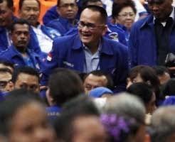 Ruhut: Tolak Kenaikan Harga BBM, PKS Partai Banci!