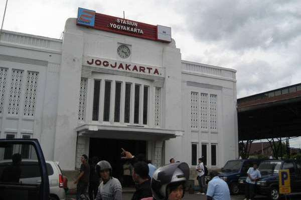 Stasiun Tugu Yogyakarta (id.wikipedia.org)