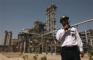 Setelah Minyak, Giliran Industri Petrokimia Iran \Dilumpuhkan\ AS
