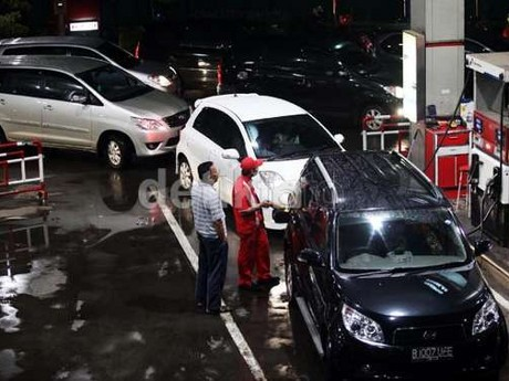 Efek Kenaikan BBM Selama Era Presiden SBY pada Penjualan Mobil
