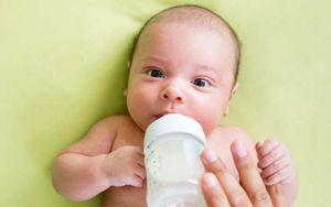 Venezuela Akan Segera Larang Pemberian Susu Botol pada Bayi