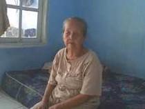 Ibu RT yang Gemas Tak Bisa Bantu Warga Lansianya Dapat Balsem