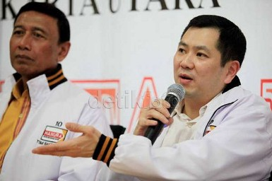 Bawaslu Kaji Pelanggaran Kampanye Deklarasi Capres Wiranto-HT