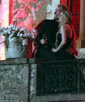 Pernikahan Bergaya Gothic ala Avril Lavigne dan Chad Kroeger