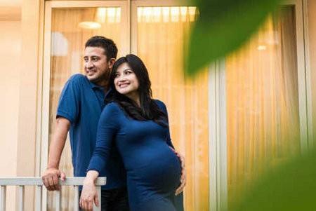 Tina Talisa Melahirkan Anak Pertama