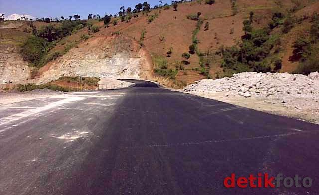 Ada Proyek Jalan Puncak II 48 Km, Lereng Pegunungan Sentul-Cipanas akan Dibom