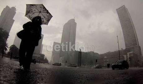 Cuaca Berawan Diperkirakan akan Terjadi Sepanjang Hari di Jakarta