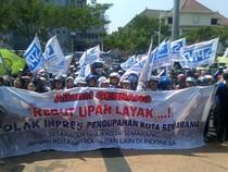 Ratusan Buruh Geruduk DPRD Jateng Tolak Inpres Pembatasan Kenaikan Upah