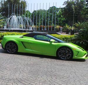 Naik Lamborghini, Hotman Paris Temui Jokowi di Balai Kota