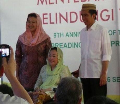 Jokowi: Ada yang Bilang Wajah Ndeso, Lalu Mirip Estrada. Yang Benar Mana?