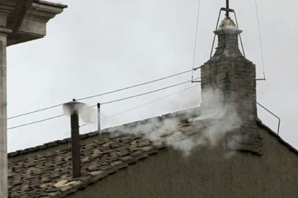Lionsgate Produksi Film Horor Vatican \White Smoke\