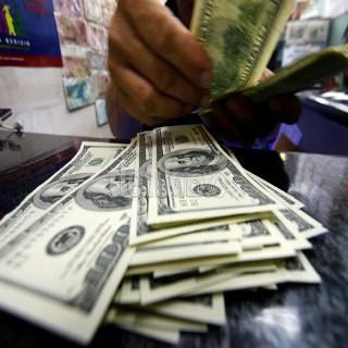 Dolar Masih Setia di Rp 11.000, Bisakah Kembali di Bawah Rp 10.000?