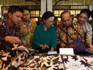 Istri Wapres Buka Pameran Pasar Indonesia