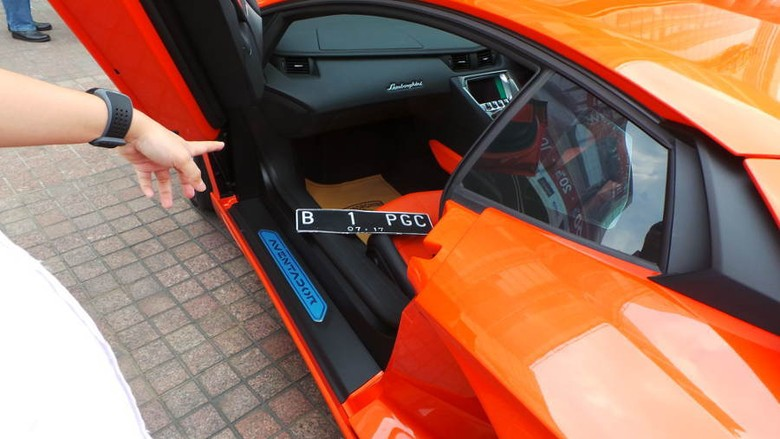 Ingin Tahu Letak Pelat Nopol Depan Lamborghini? Ini Tempatnya
