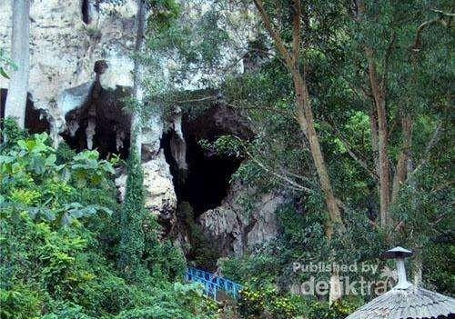 Gua Batu Hapu di Kabupaten Tapin, Kalimantan (Risan Bagja/ dTraveler)