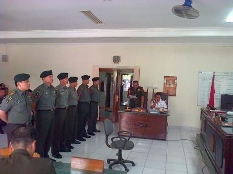6 Anggota TNI Dituntut 1-2 Tahun Bui karena Aniaya Warga hingga Tewas