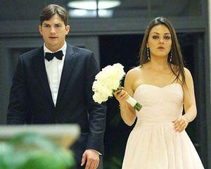 Foto: Ashton Kutcher & Mila Kunis Menikah Diam-diam?