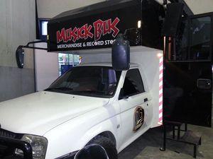 FOTO: Musick Bus, Toko Musik Keliling Pertama di Indonesia dari Makassar