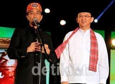3 Acara Seru Tahun Baru Ala Jokowi: Duet dengan Rhoma Hingga Nobar