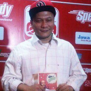 Iwa K Nge-rap Bareng Legenda Basket Nasional di Video Klip Single Terbaru
