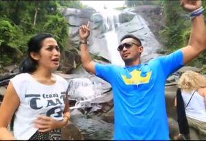 Jessica & Yama Carlos Keliling 3 Negara