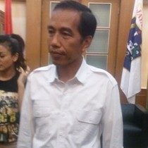 Jokowi Siap Luangkan Waktu Nonton Bareng Comic 8