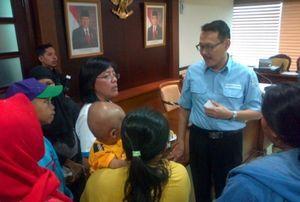 \Korban\ BPJS Temui Ketua DPR: Bapak Tidak Kasihan Sama Saya?