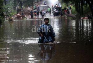 Banjir di Jakarta dan Manado, Kemenkes Utamakan Kebutuhan Logistik